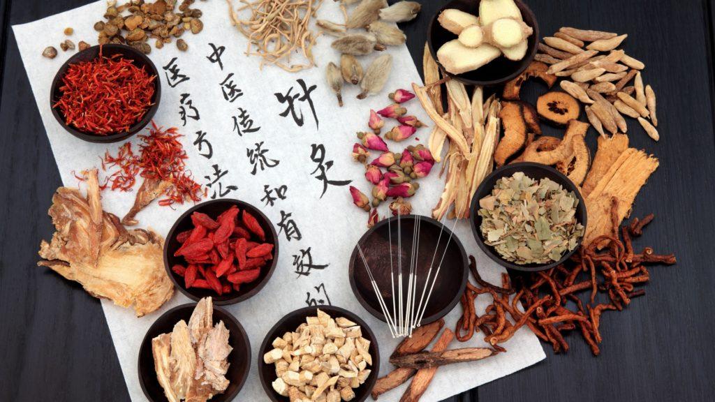 La pharmacopée chinoise traite aussi les symptômes du Covid-19